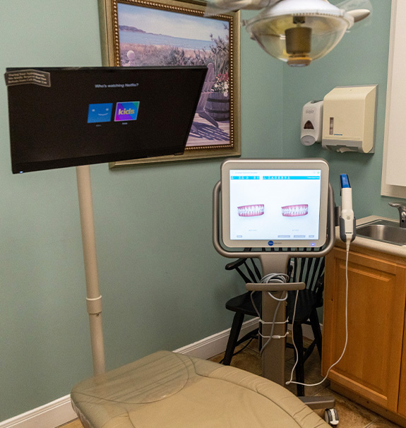 Using advanced dental technology to show bite impressions to patients
